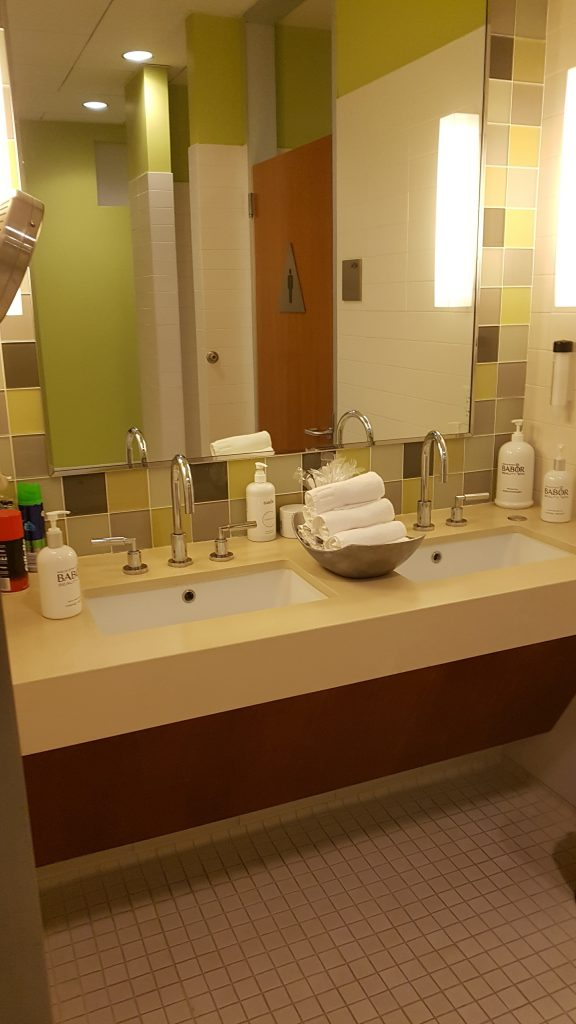 Beverly Hilton Spa Sinks