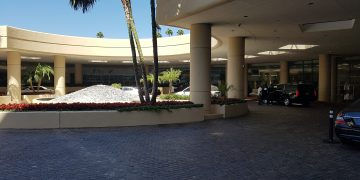 Review Beverly Hilton Los Angeles.
