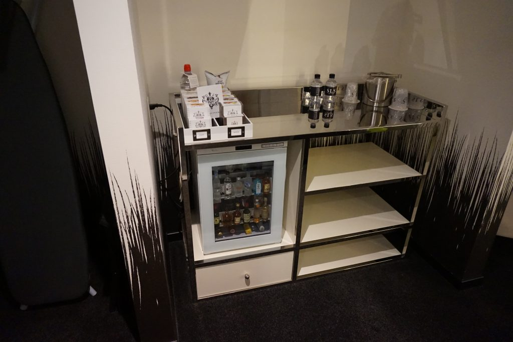 SLS World King Minibar
