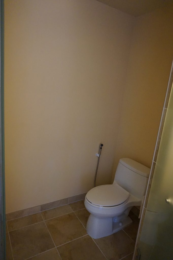 Beverly Hilton Toilet
