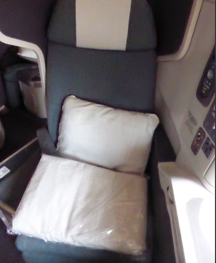 Cathay Pacific Business Class Review (Boeing 777-300 ER) - Hong Kong